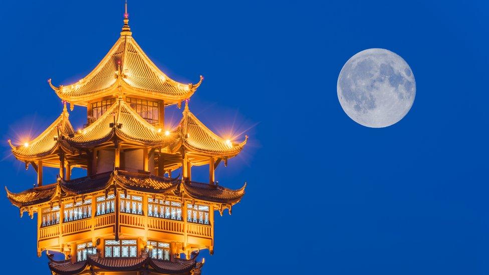 Fake moon: Could China really light up the night sky?   BBC