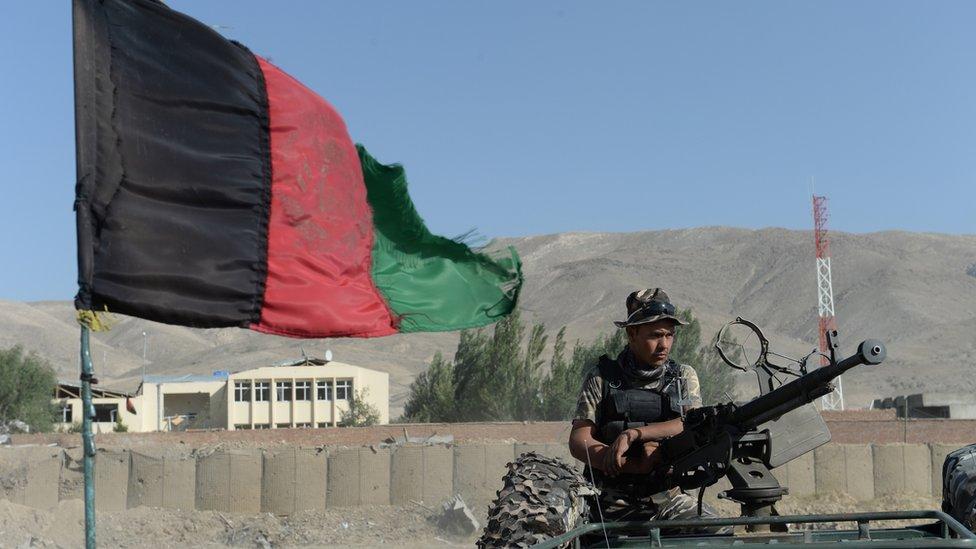 Un miembro de las fuerzas de seguridad afganas en la provincia de Wardak