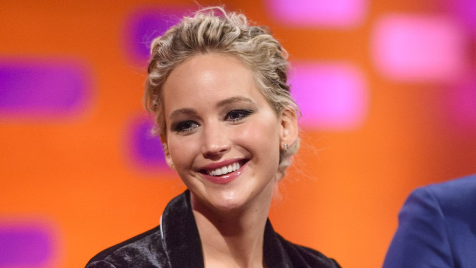 Jennifer Lawrence apologises for Hawaii 'butt-scratching' story