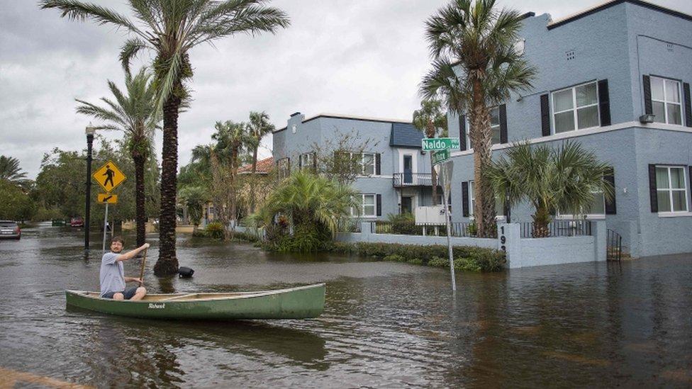 A pesar de llegar con menos potencia al norte de Florida, Irma causó graves inundaciones, como en las calles de San Marco, en el histórico distrito de Jacksonville.