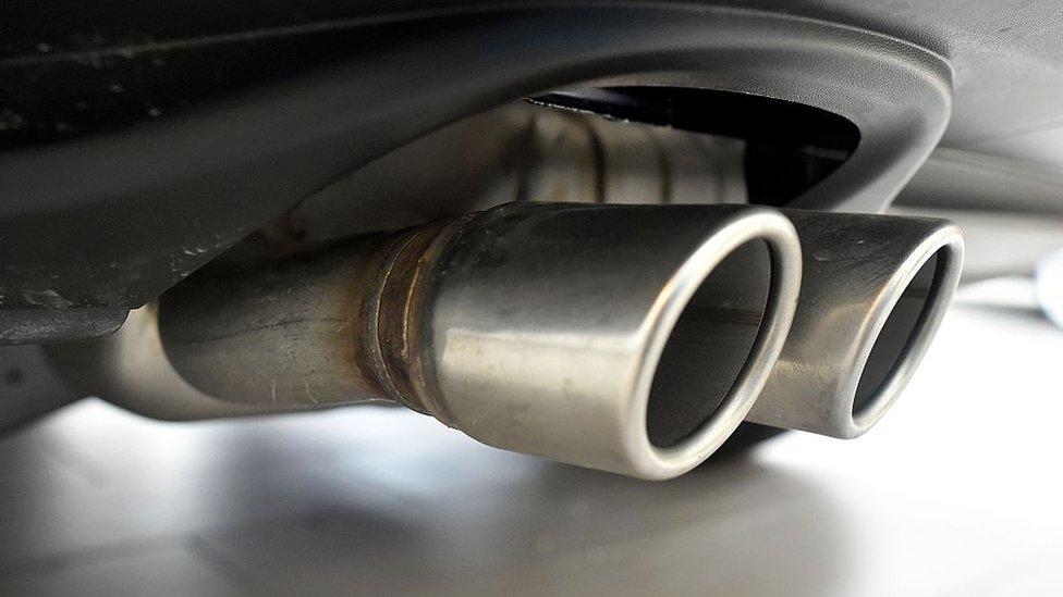 El escándalo de las emisiones contaminantes le ha costado a Volkswagen US$25.000 millones.