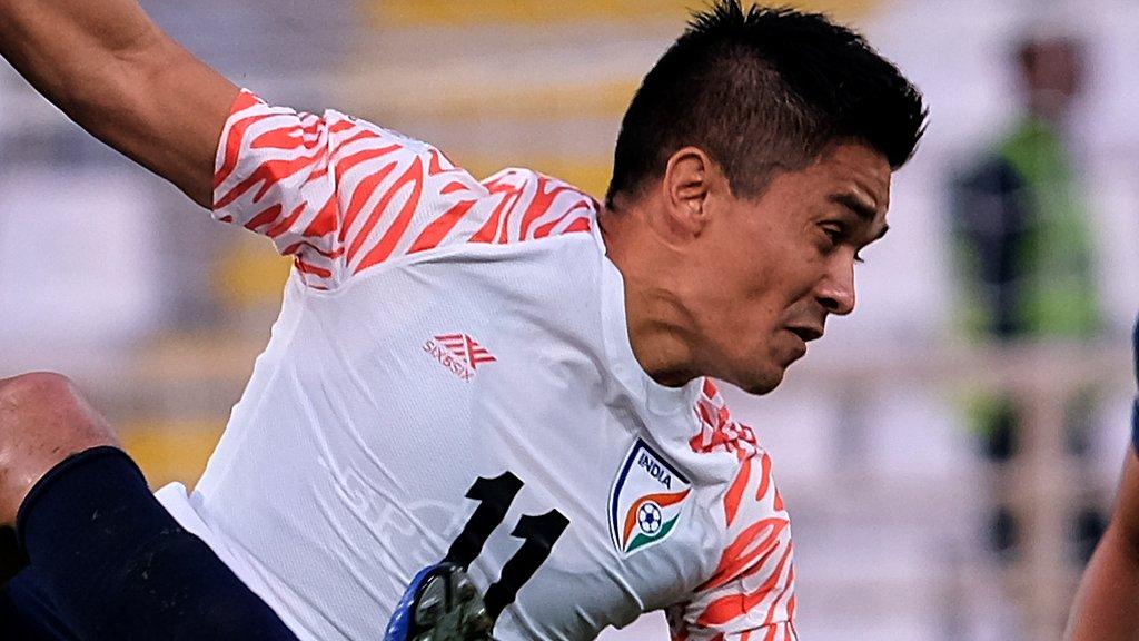 میسی سے بھی زیادہ گول کرنے والے انڈین فٹبالر سنیل چھیتری کون ہیں؟