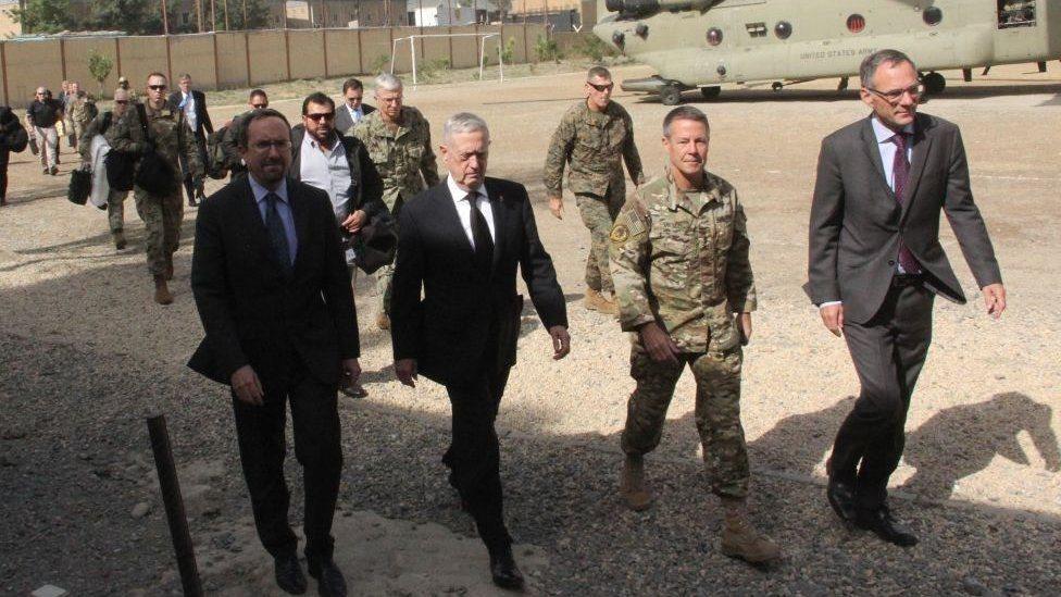 د امریکا دفاع وزیر 'ناڅاپي' کابل ته تللی