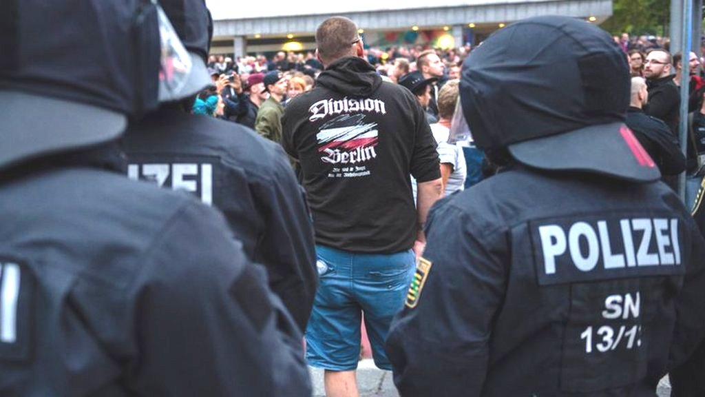 Rival protesters return to Germany's streets