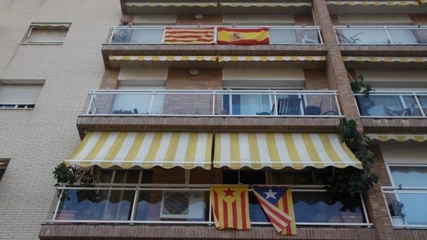 Багато каталонців не хочуть незалежності. Чому?