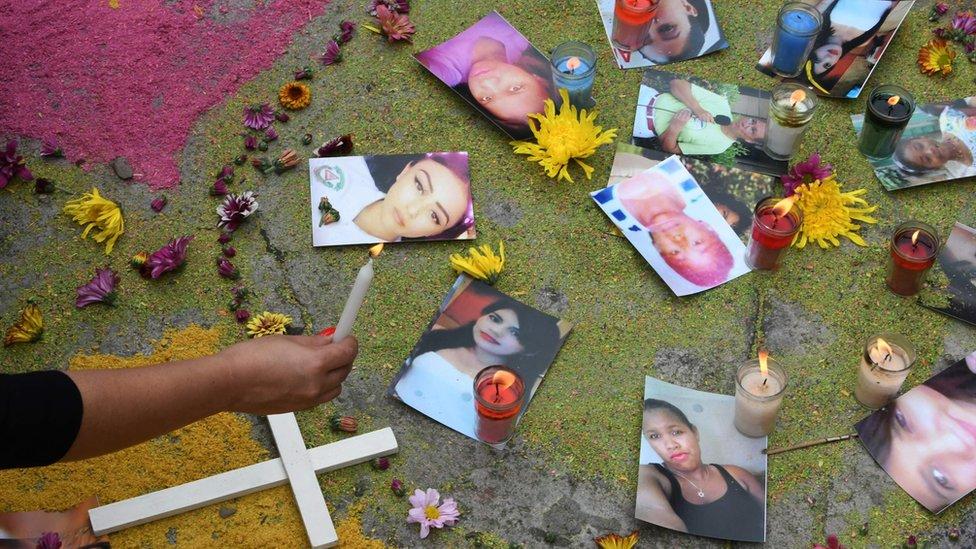 Las activistas dicen que en 2016 fueron asesinadas 463 mujeres, pero solo 15 casos fueron investigados.