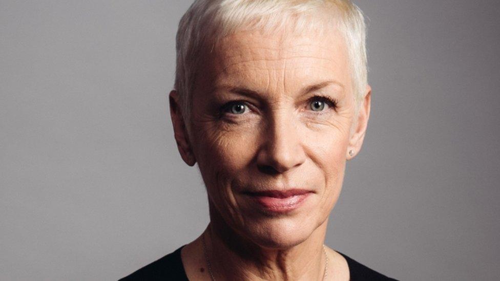 Annie Lennox gets humanitarian award