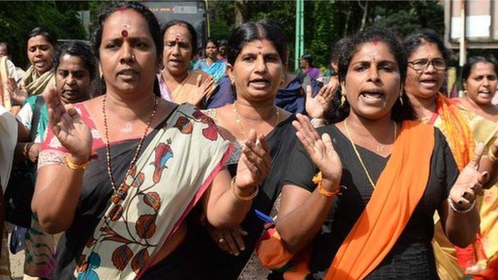 Sabarimala: Mobs attack women near India Hindu temple