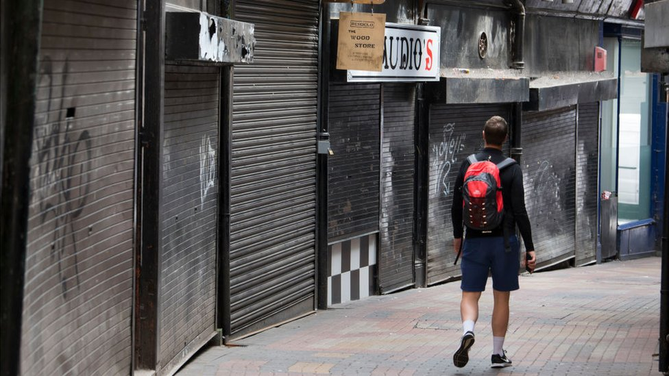 How to revive fading city centres