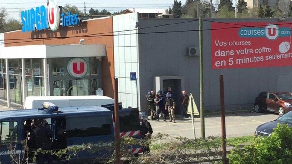 France hostage crisis: 'Two dead' in Trèbes supermarket