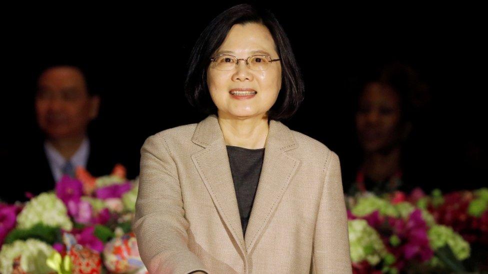 Trump promulga ley que alienta visitas entre funcionarios de EEUU y Taiwán