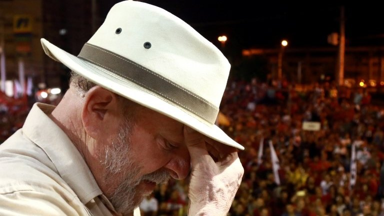 Brazil election: Jailed ex-leader Lula pulls out