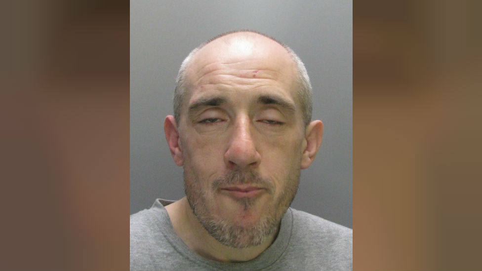 Cambridge hammer-attack jewel thief jailed for 10 years