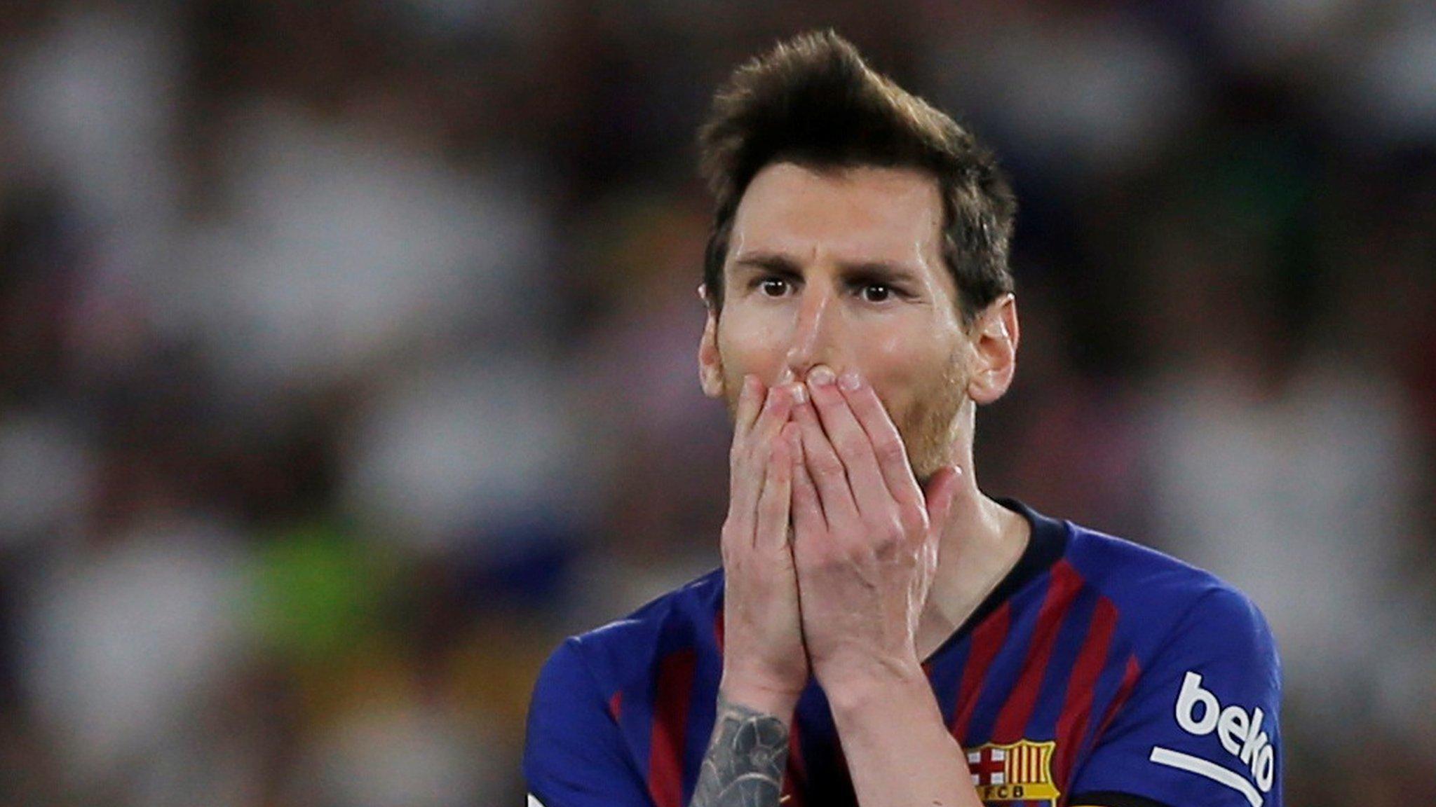 Copa del Rey final: Valencia end Barcelona's double dream