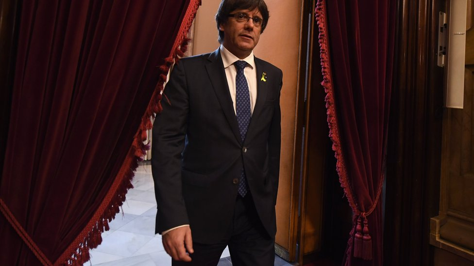 Carles Puigdemont fue depuesto como líder del gobierno catalán por el gobierno central español.