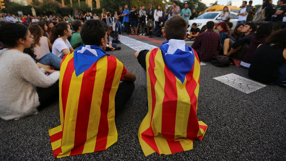 Catalonia: Protests after Spain detains separatists