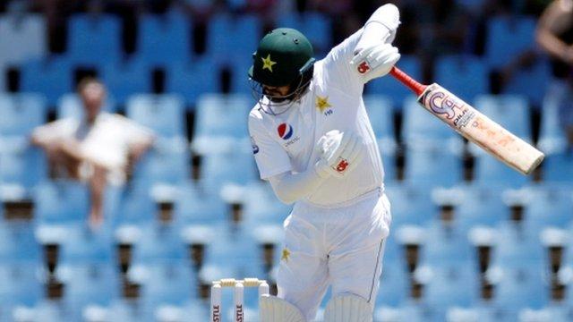 پاکستان بمقابلہ جنوبی افریقہ: جنوبی افریقہ کے 262 رنز کے جواب میں پاکستان کا ناقص آغاز، دو کھلاڑی آؤٹ