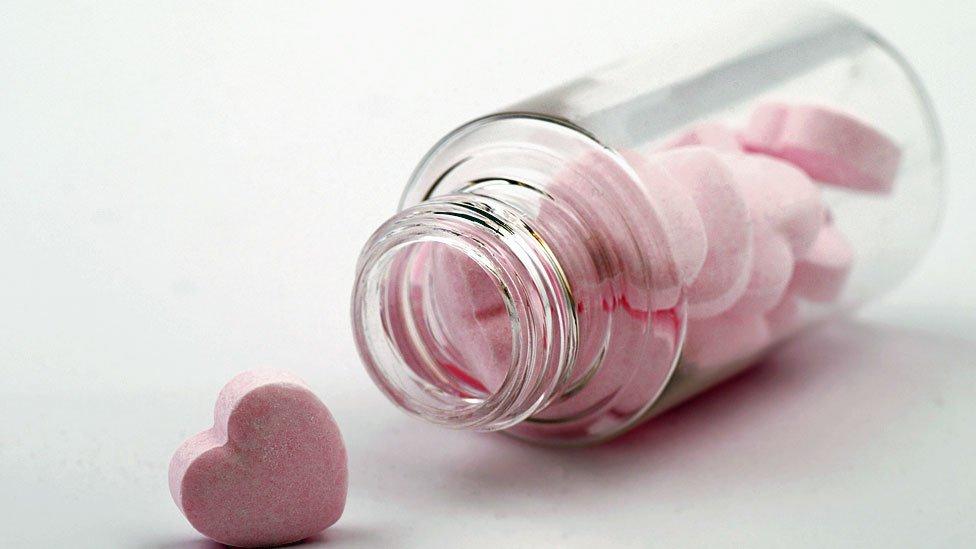 Pastillas en forma de corazón