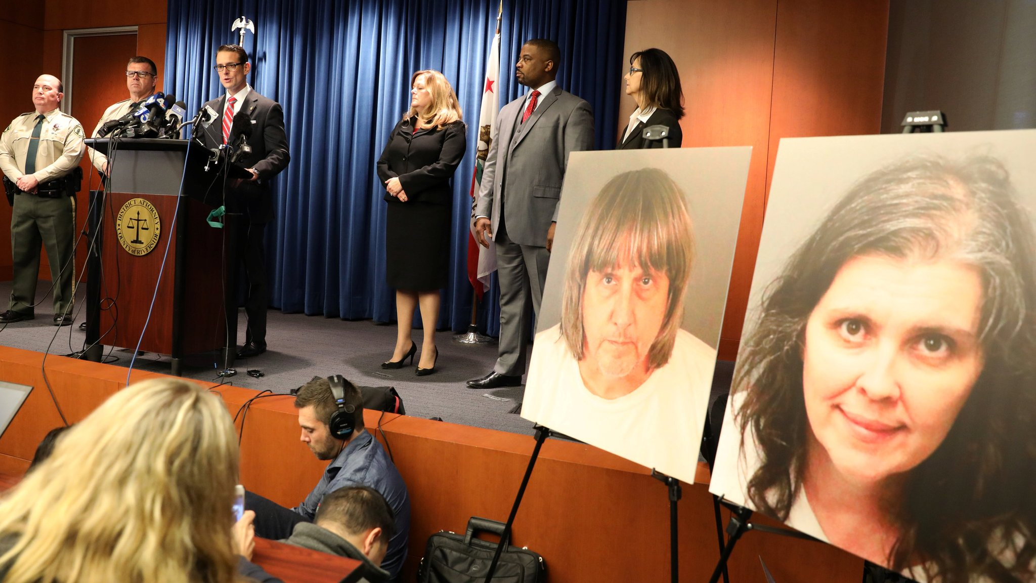 Turpin case: California couple deny torturing 'shackled siblings'