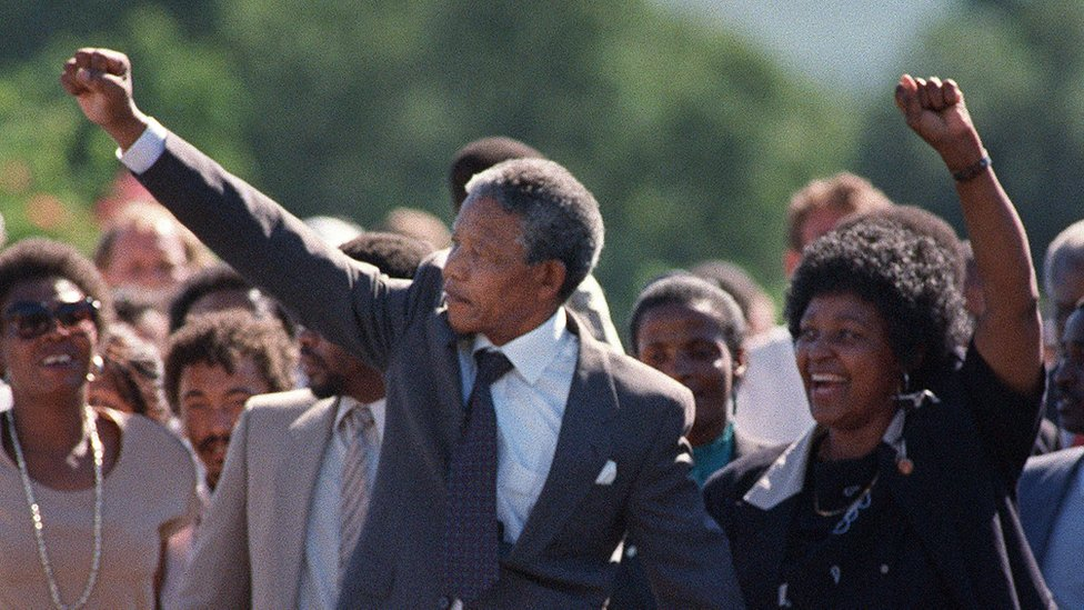 Nelson Mandela walks from prison