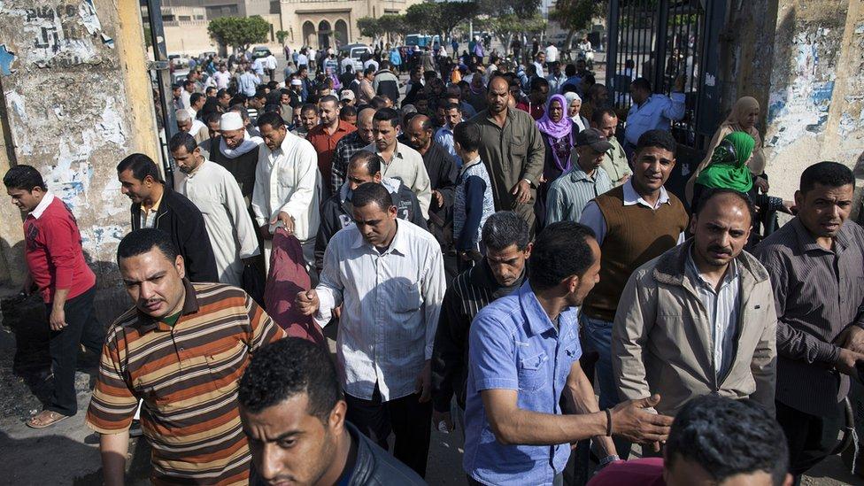 مصر: عمال غزل المحلة ينهون اعتصامهم