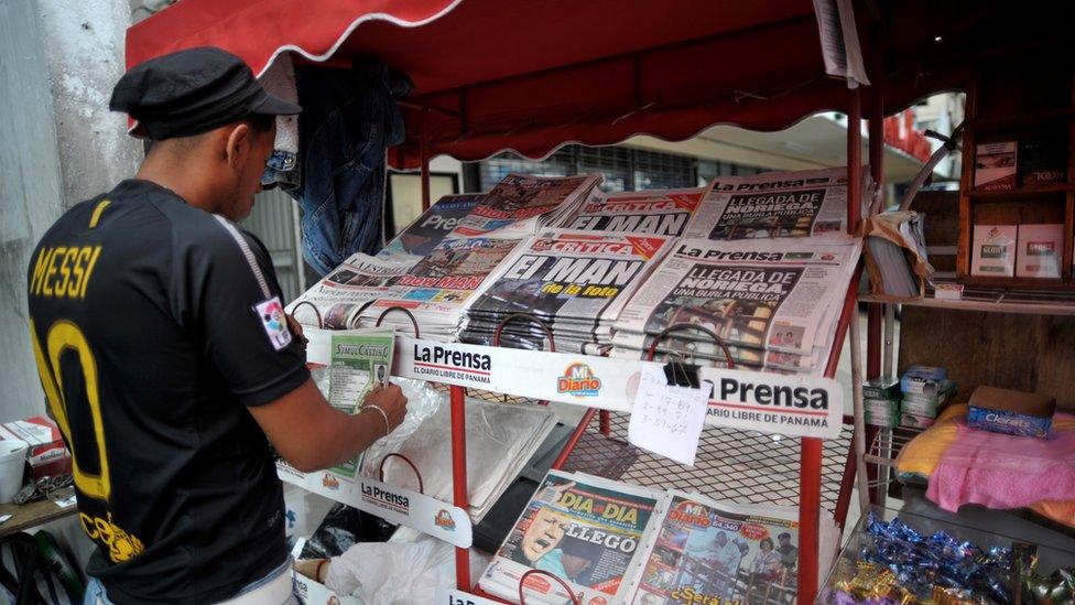 Newspaper kiosk in Panama