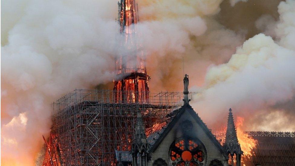Galw am arwydd o undod wedi tân Notre Dame
