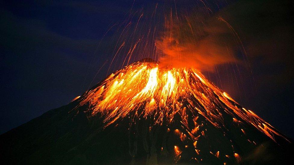En 2016, el Tungurahua entró en erupción afectando a varias localidades cercanas.