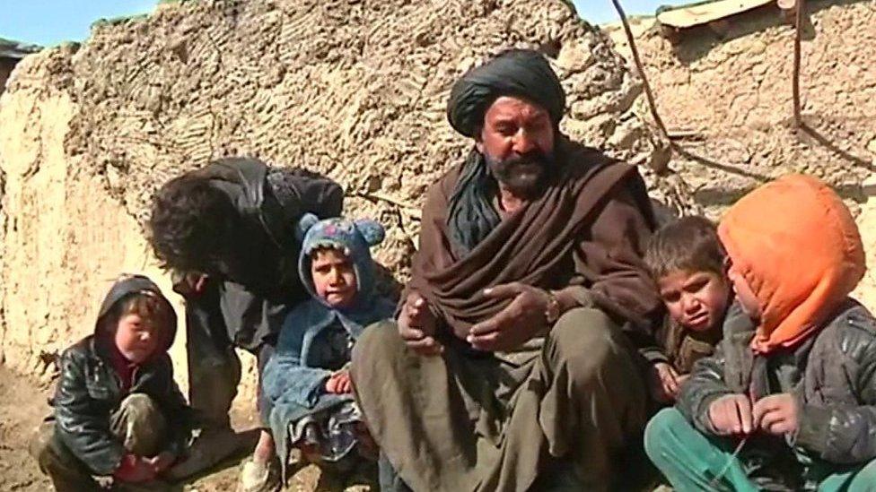 ملګري ملتونه: افغانستان کې ۷۰۰ زره کسان بې ځایه شوي