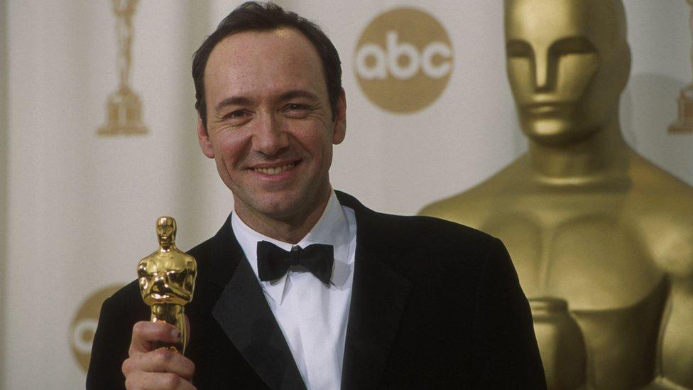 斯派西2000年因《美國麗人》獲奧斯卡最佳男主角獎。