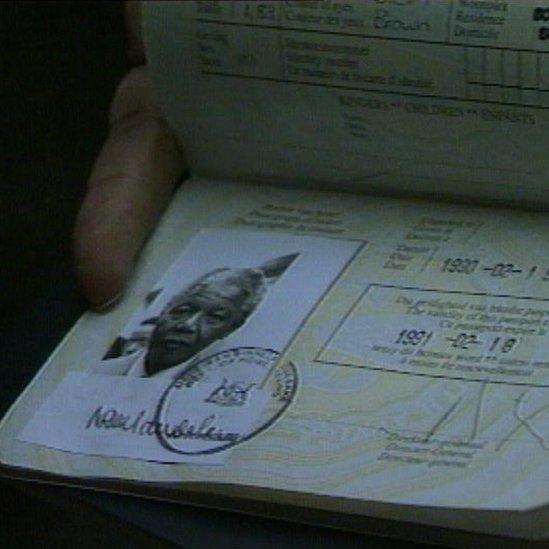 Pasaporte, Mandela