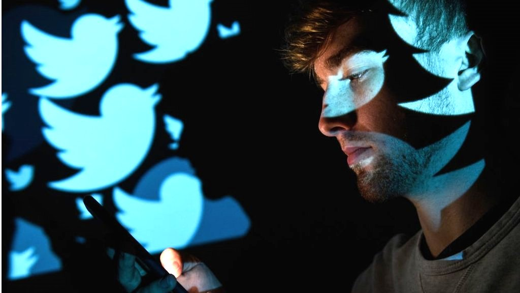 Twitter pledges tougher action against abuse