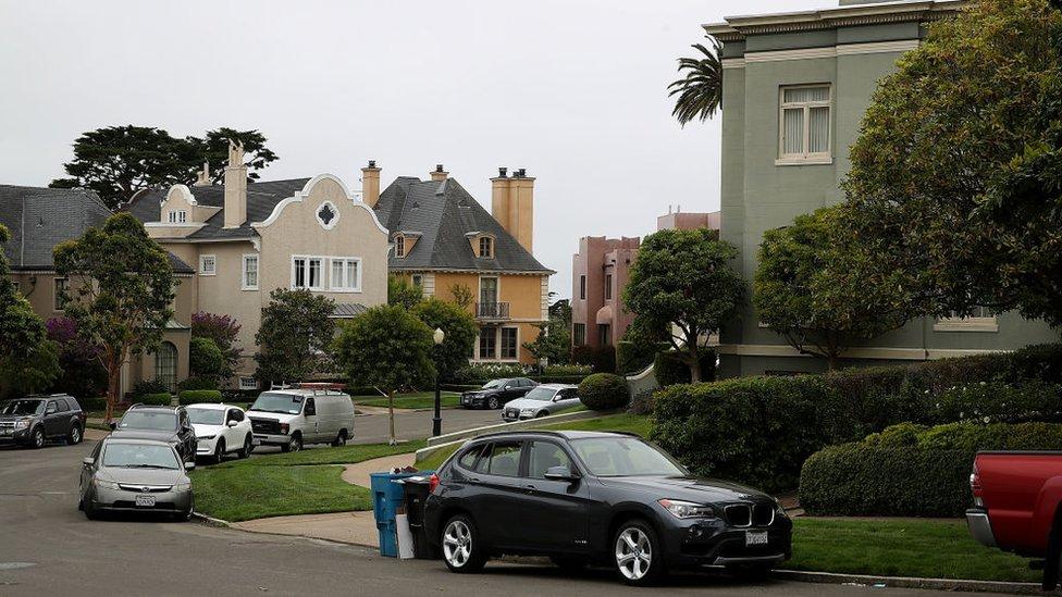 Los dueños de las casas de Presidio Terrace han pedido que se anule la venta de la calle.