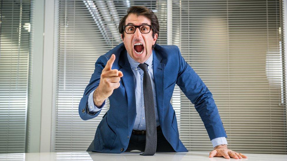 Los especialistas dicen que las empresas con jefes muy autoritarios son más proclives a ser objetivo de este tipo de fraude.
