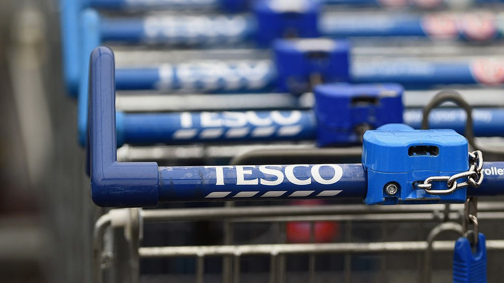 New £1 coin: Tesco to leave trolleys unlocked