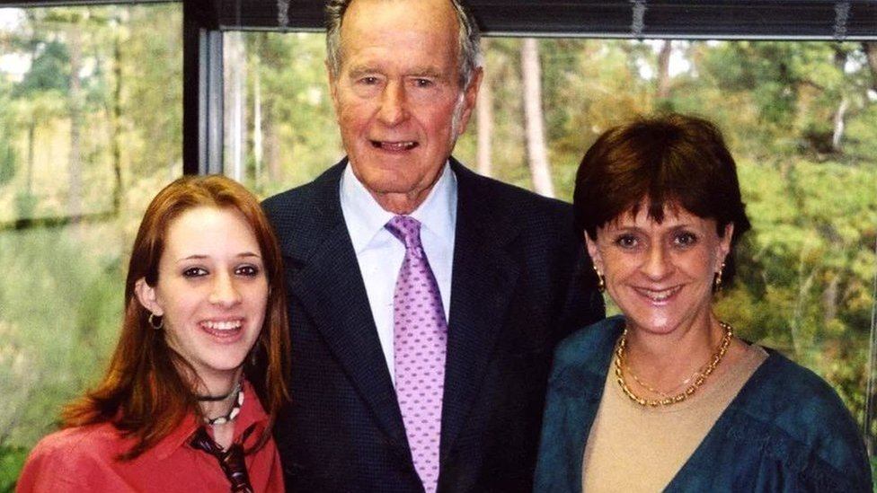 George Bush Snr 'groped 16-year-old girl' during 2003 photo op