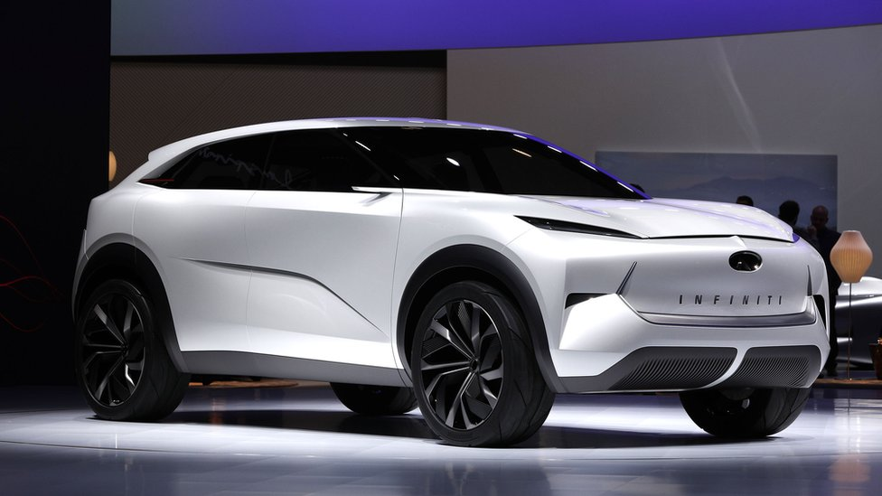Detroit auto show: Firms bet on petrol to fund electric future