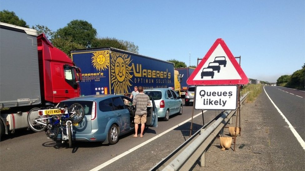 Dover ferry port chaos leads to 14-hour traffic jams