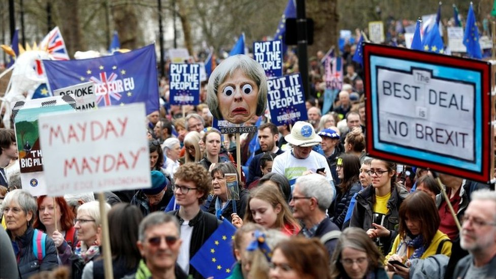 """""""Брексит"""": сотни тысяч британцев вышли на улицы в поддержку нового референдума"""