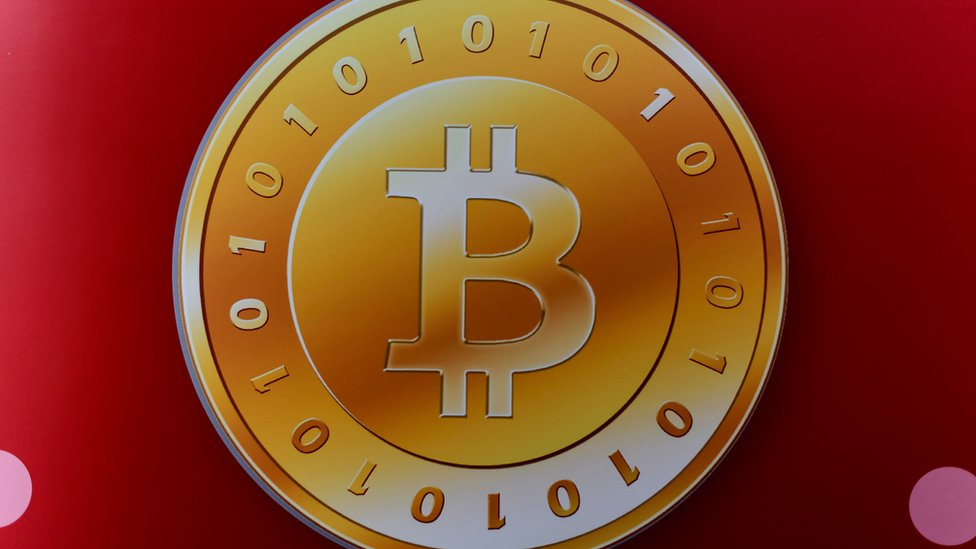 """Conocido como el """"oro digital"""", el bitcoin creció más de 1.200% en el último año."""