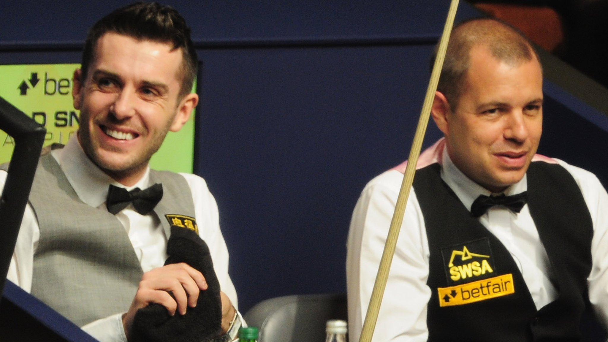 Selby and Hawkins progress at Masters - highlights & report