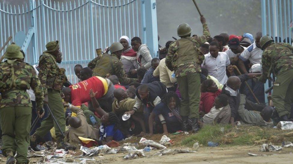 متظاهرون ضد كينياتا