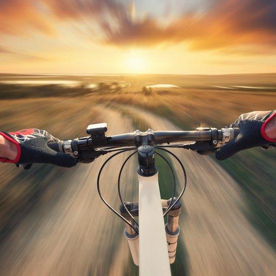 Rodando en bicicleta