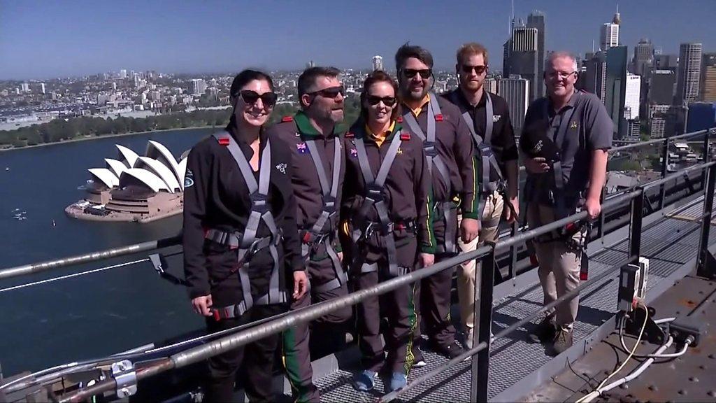 Prince Harry climbs Sydney Harbour Bridge   BBC