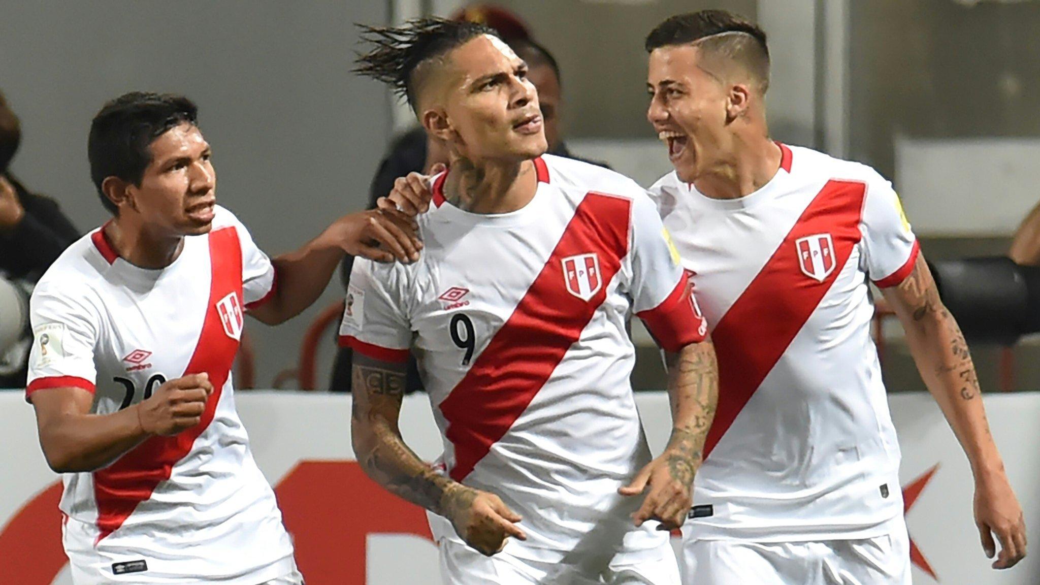Guerrero anotó en el empate 2-2 entre Perú y Argentina.