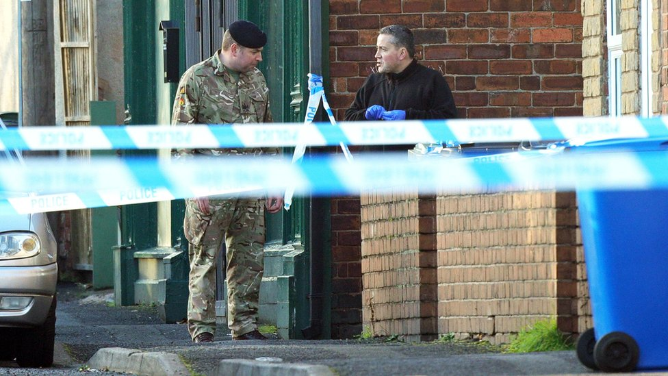Police to resume 'Christmas terror' searches