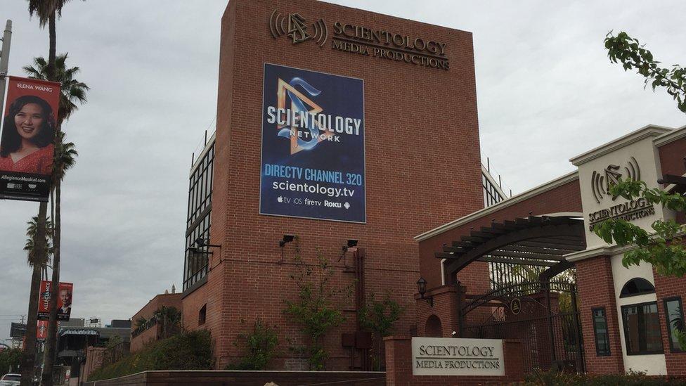 Sede de la productora de la Iglesia de la Cienciología (Foto: Beatriz Díez/BBC Mundo)