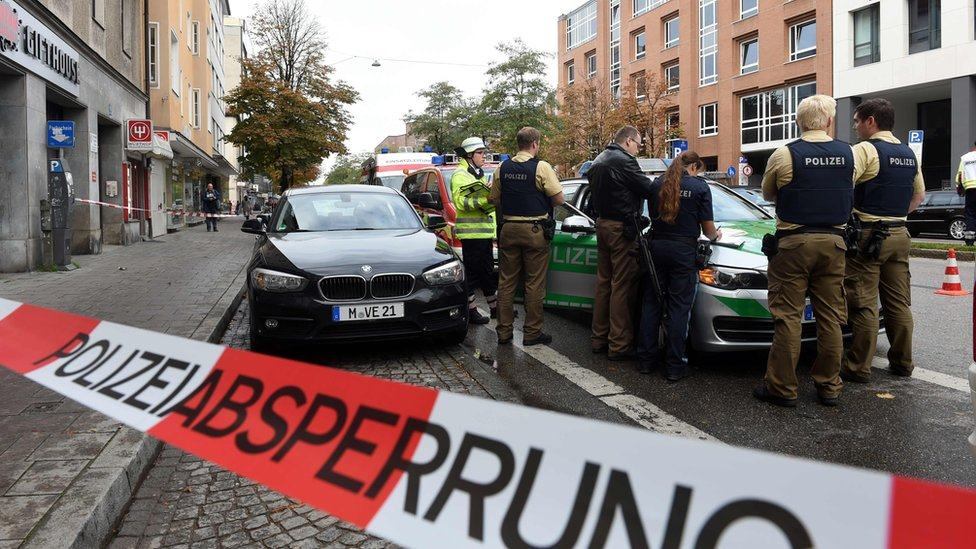 Man arrested after knife attack in Munich