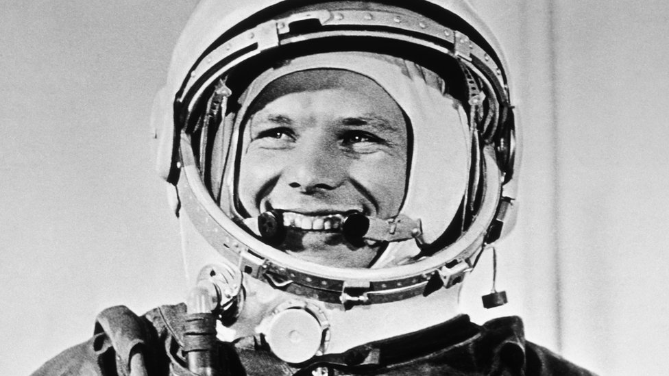 yuri gagarin russian astronaut - photo #15