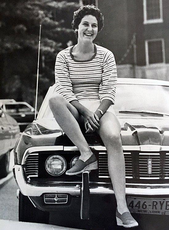 Меріенн Ґрей у 1975 році